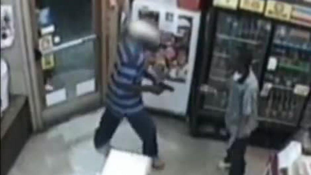 Грабитель получил по голове